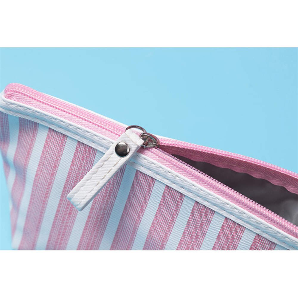 https://www.ihowsky.com/wp-content/uploads/2020/10/Cosmetic-Bag-Creative-Striped-Travel-Cosmetic-Bag07.jpg